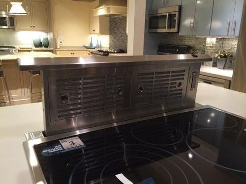 downdraft-installed-behind-cooktop-display