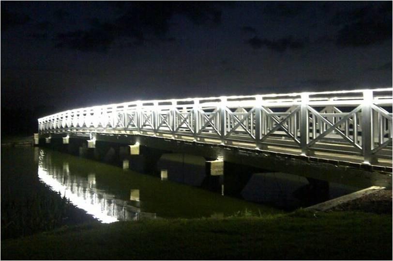 led-outdoor-lighting-bridge