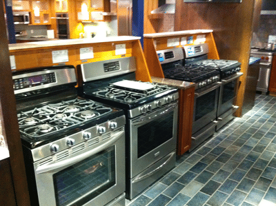 freestanding range display at yale appliance