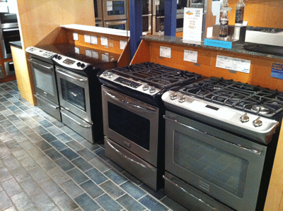 slide-in range display at yale appliance