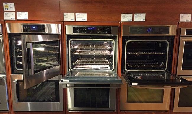 wall-oven-door-display-yale-appliance