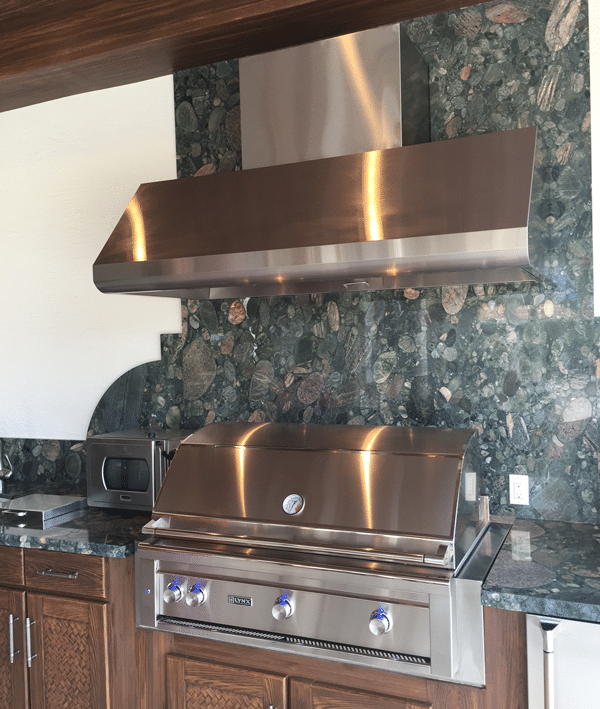 Designing An Outdoor Grill Kitchen With Pizza Oven And