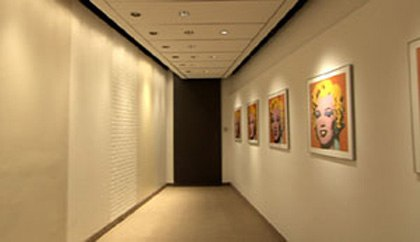How to light a wall with recessed and track lighting wall washing and accent lighting aloadofball Gallery