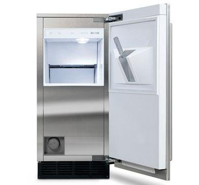 subzero undercounter ice maker UC15I