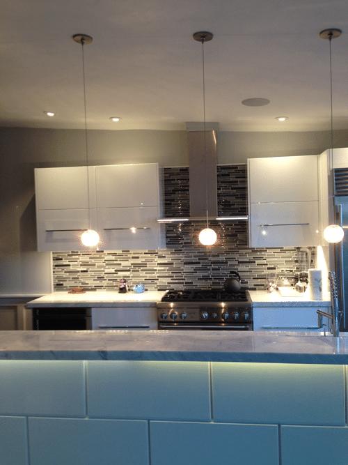 led-lighting-in-white-kitchen-makeover-monday