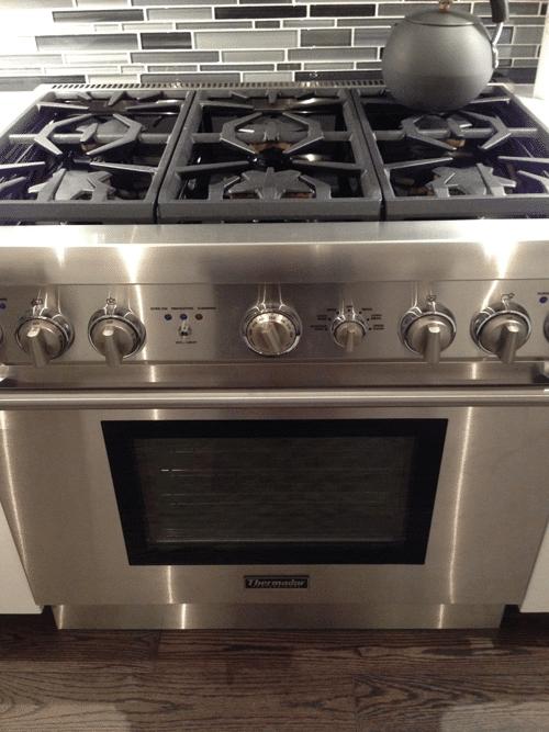 thermador-pro-dual-fuel-range-white-kitchen