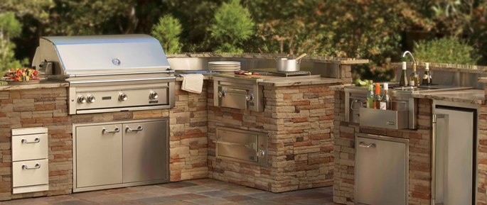 The Best Outdoor BBQ Kitchens, Refrigerators & Icemakers