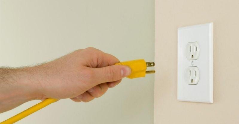110 Volt Electrical Outlet  (1)