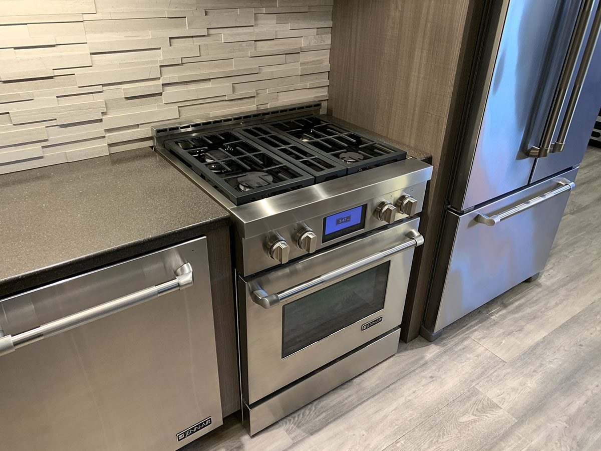 30-Inch Gas Range At Yale Appliance