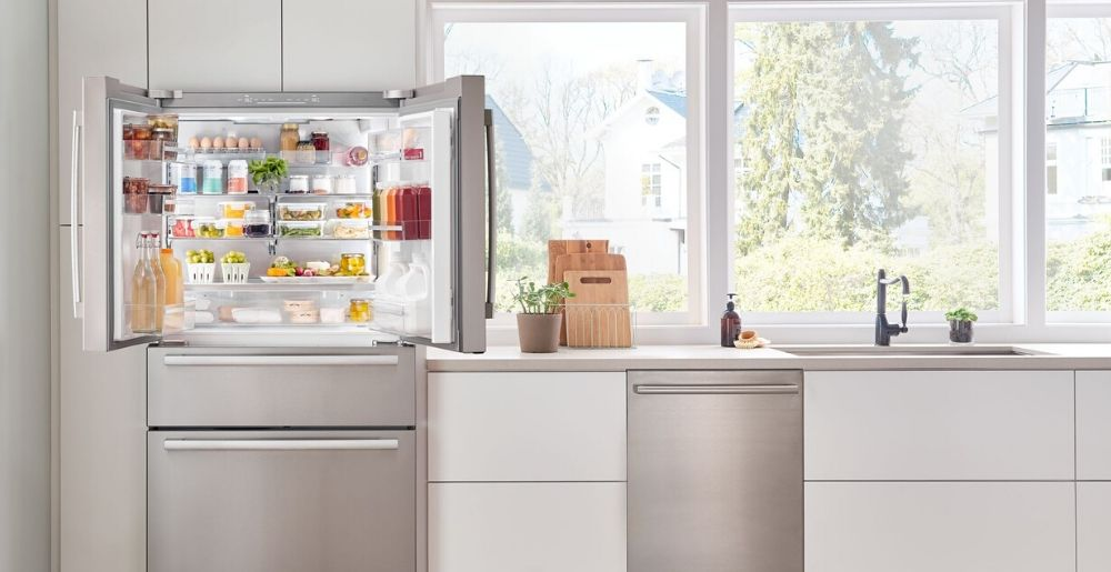 Bosch Counter Depth Refrigerator Interior