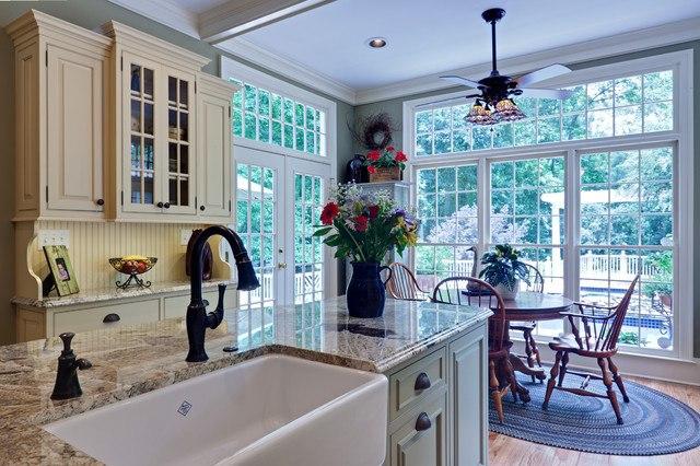 Bronze-Kitchen-Faucet