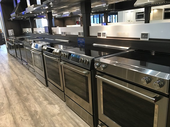 Yale-Appliance-Framingham-Showroom-Electric-Front-Control-Display