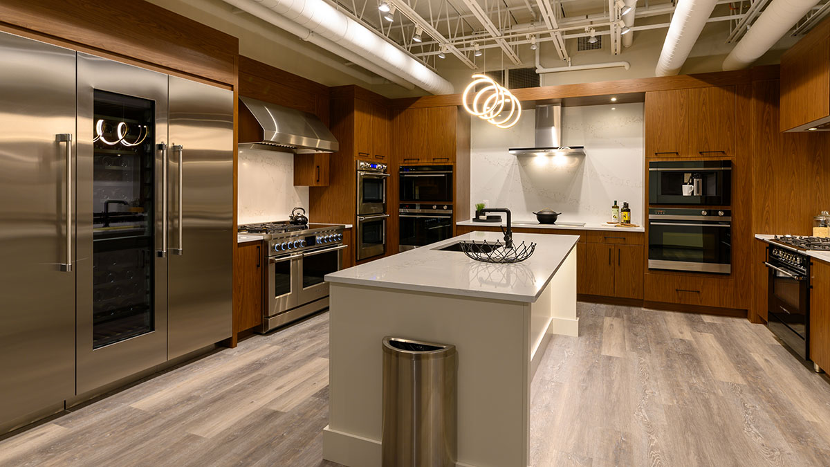 Fisher-and-Paykel-Kitchen-at-Yale-Appliance-in-Hanover