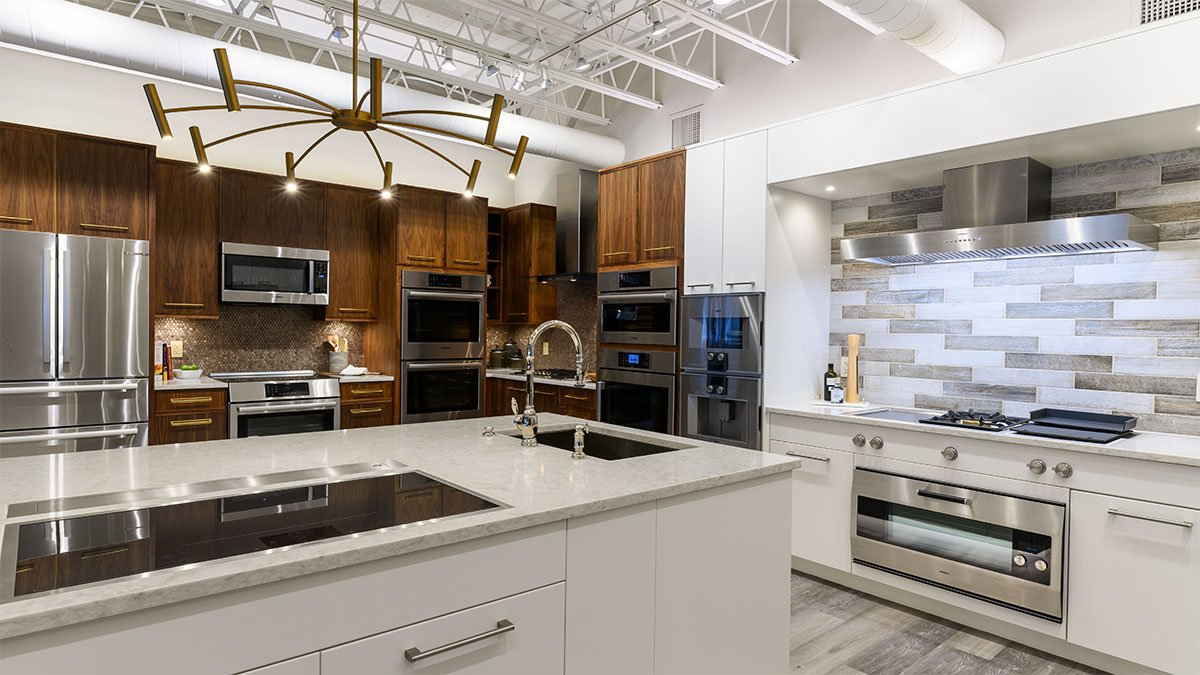 Gaggenau-and-Bosch-Kitchen-at-yale-appliance-in-hanover