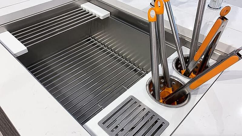 Galley-upper-tier-utensil-caddy (1)