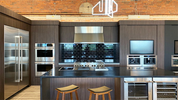 JennAir-Kitchen-at-Yale-Appliance-in-Boston