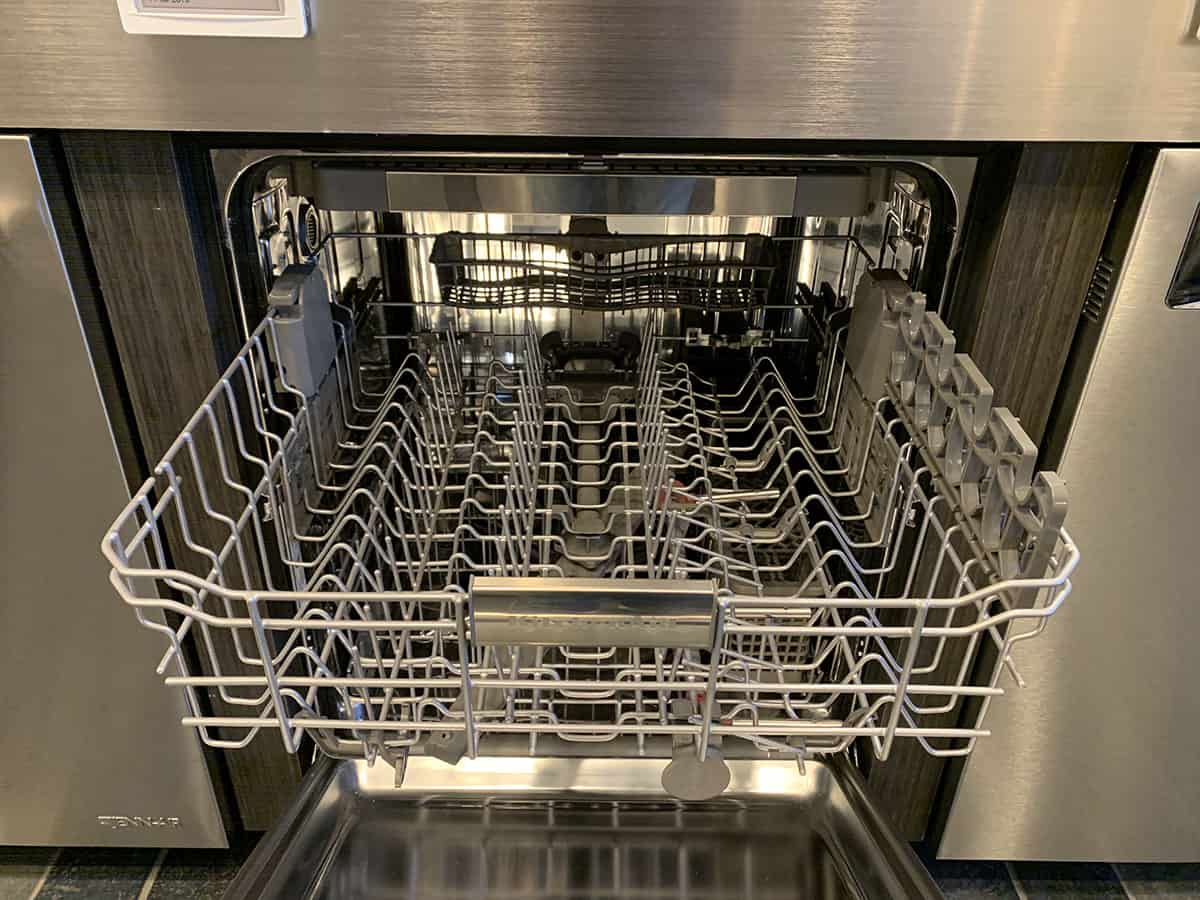 KitchenAid Dishwasher KDTE334GPS Racks at Yale Appliance