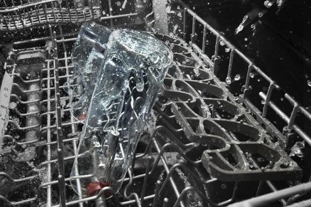 KitchenAid-Bottle-Wash