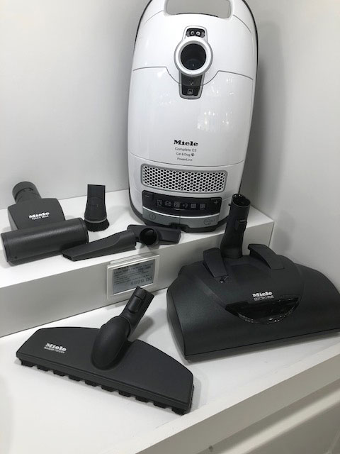 Miele-Complete-C3-Cat-and-Dog-Vacuum