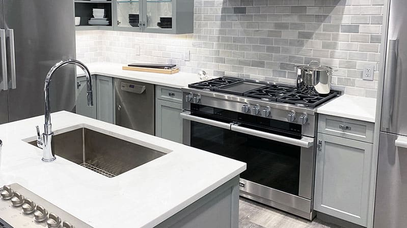 Miele-kitchen-at-yale-appliance-in-hanover