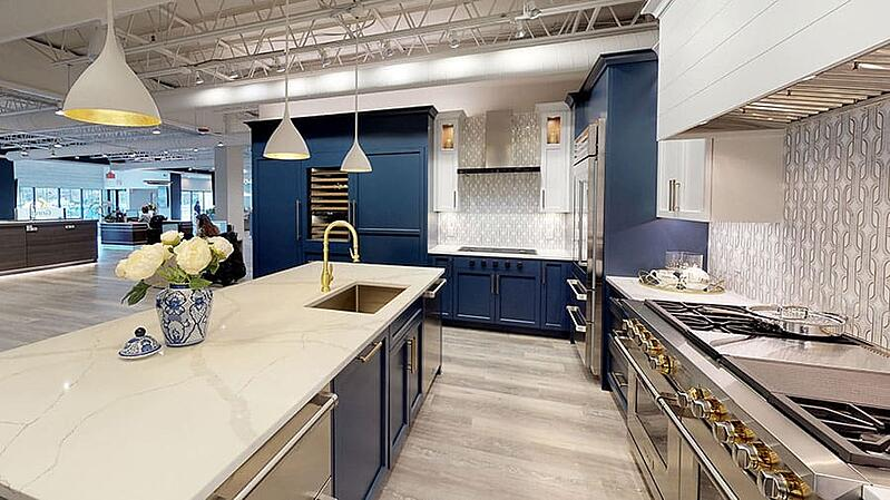 Sub-Zero-and-Wolf-kitchen-at-Yale-Appliance-in-Hanover