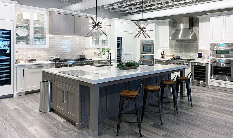 Thermador-kitchen-display-at-yale-appliance-in-hanover