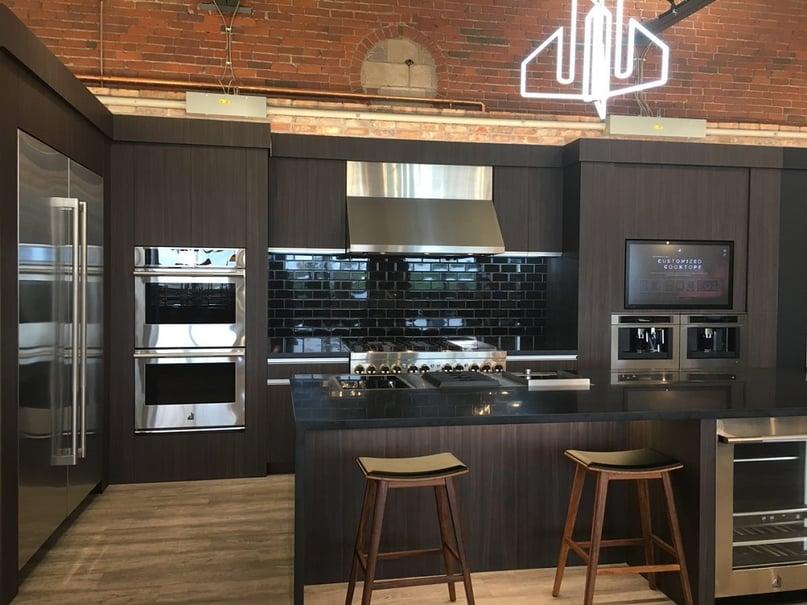 Yale-Appliance-Boston-Jenn-Air-Display