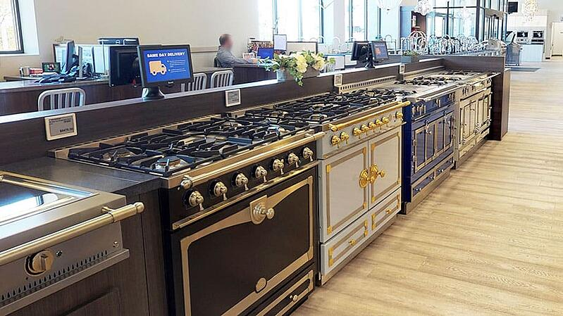 Yale-Appliance-Framingham-Showroom-La-Cornue-Display