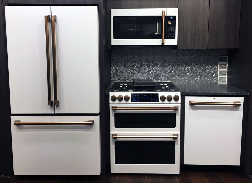 Yale-Appliance-GE-Cafe-Kitchen-Package-Display-1