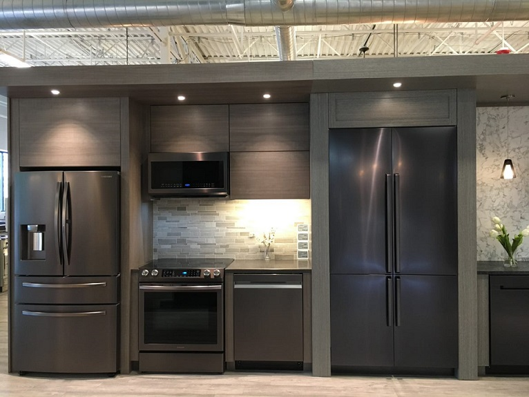 Charmant Yale Appliance Samsung Kitchen Package Display