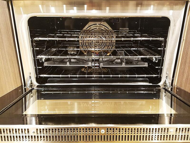 BlueStar-oven-pro-gas-range-display.jpg