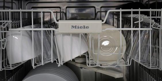 Miele-Dishwasher-inside-rack.jpg
