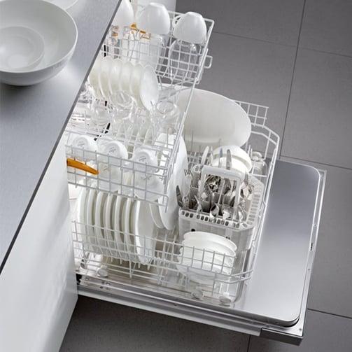 Miele-G4227SCUSS-Dishwasher-Interior.jpg