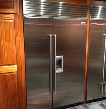Superior Professional Counter Depth Refrigerator Display
