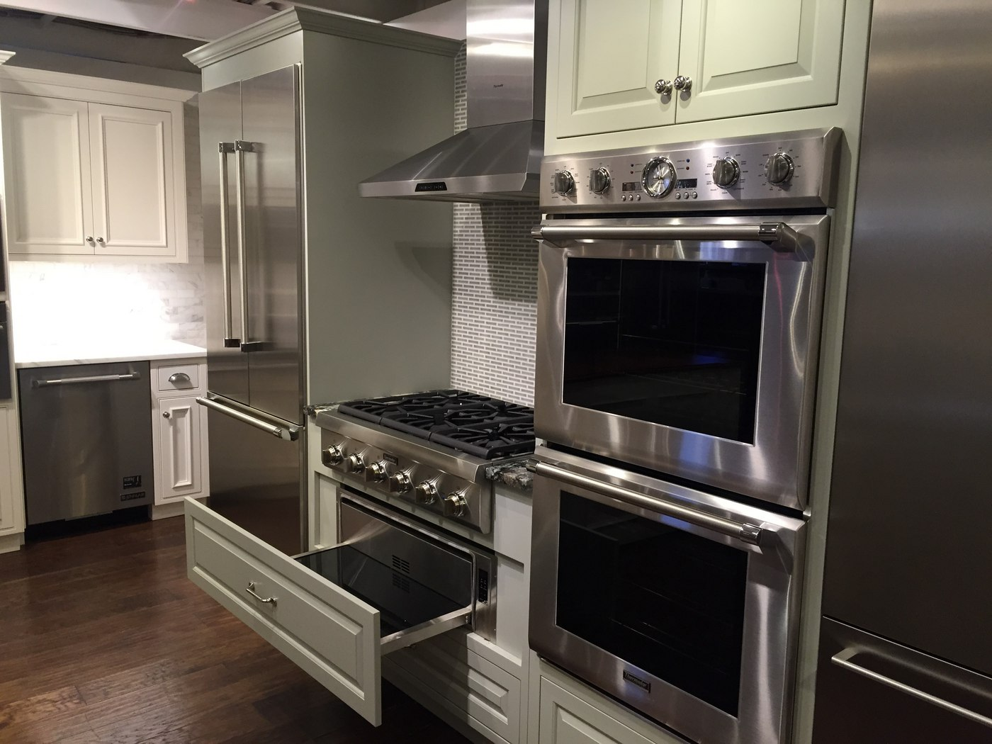 Wall oven under cooktop - Can You Place A Wall Oven Under A Rangetop With Kitchen Wall Ovens