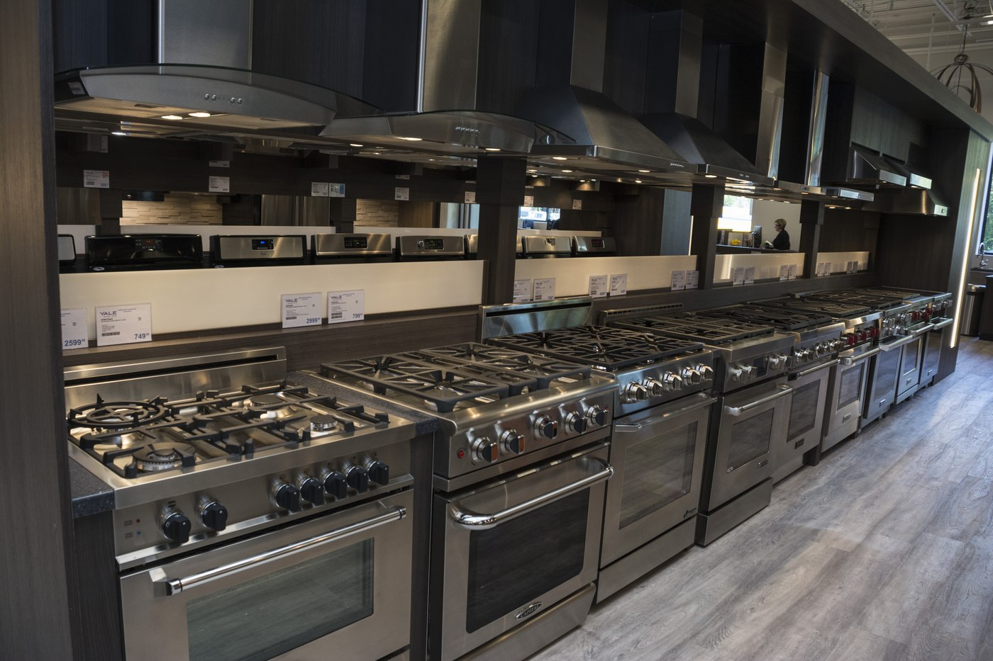 Gas ranges at Yale Appliance + Lighting framingham