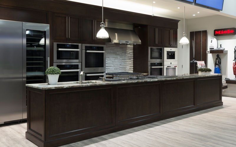 miele-pro-range-display-yale-appliance