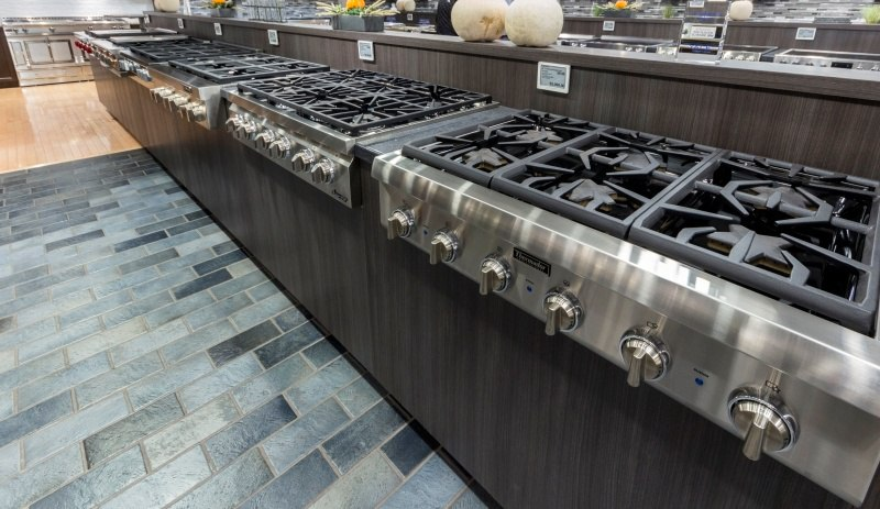 rangetop display yale appliance dorchester
