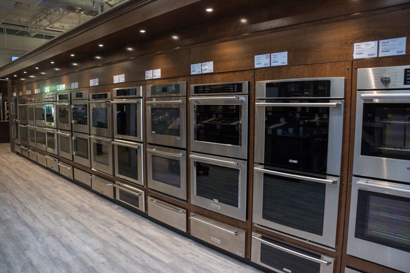 yale appliance wall oven display
