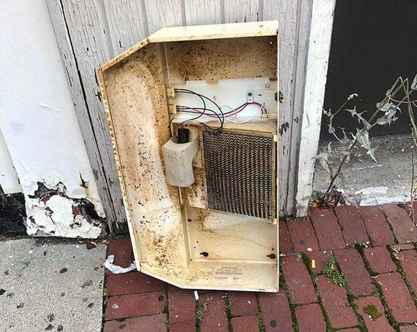 old-ventilation-hood_1
