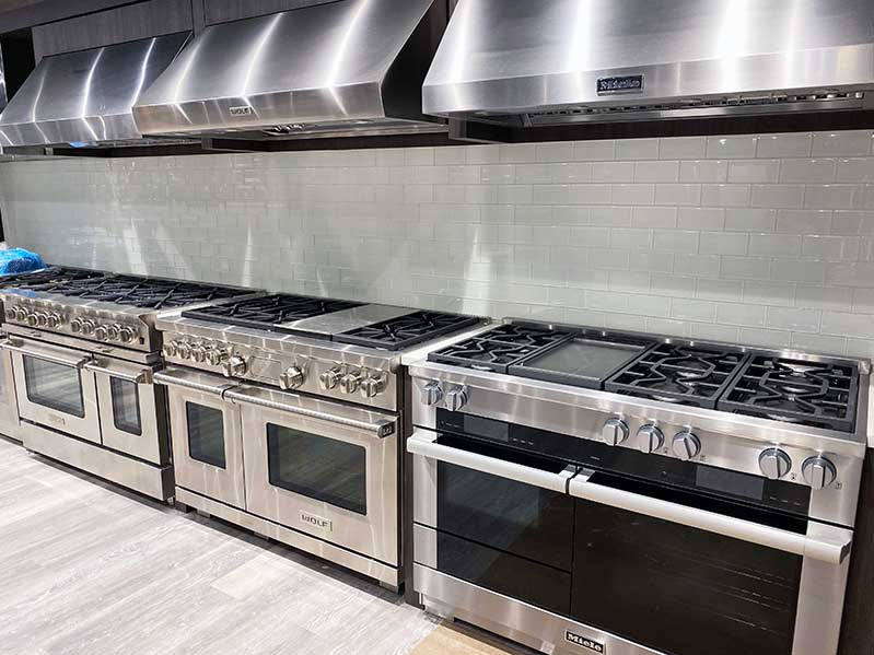 professional-gas-ranges-at-yale-appliance-in-hanover