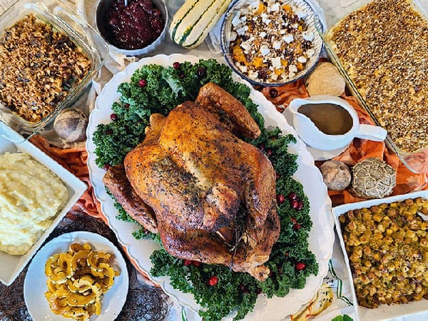 roasted-turkey-with-side-dishes