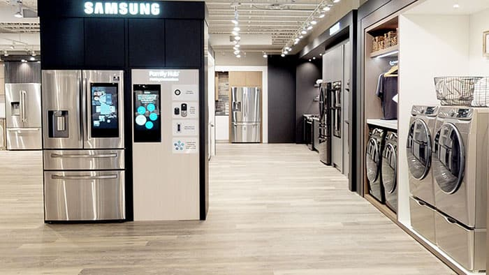 samsung-family-hub-refrigerator-and-samsung-appliances-display-at-yale-appliance-in-hanover