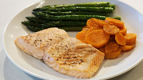 steam-oven-results_salmon-and-veggies
