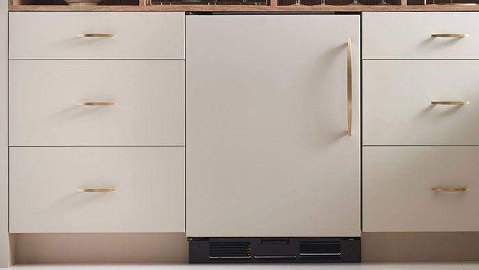 sub-zero-panel-ready-undercounter-refrigerator