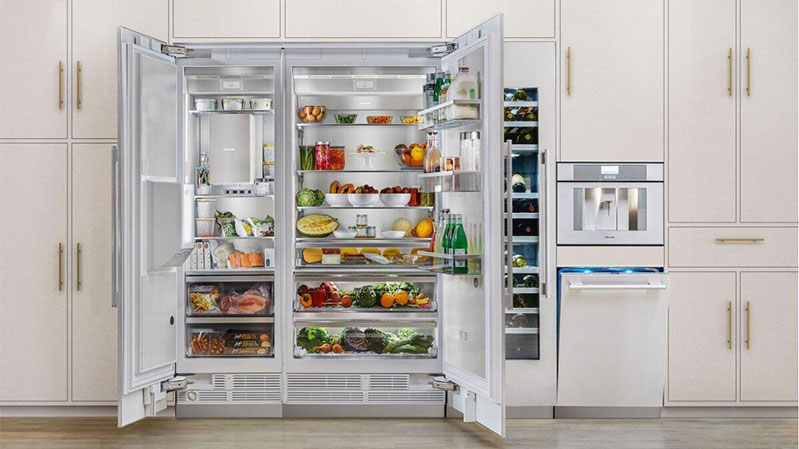 thermador-36-inch-column-refrigerator-with-freezer-open-and-fully-stocked