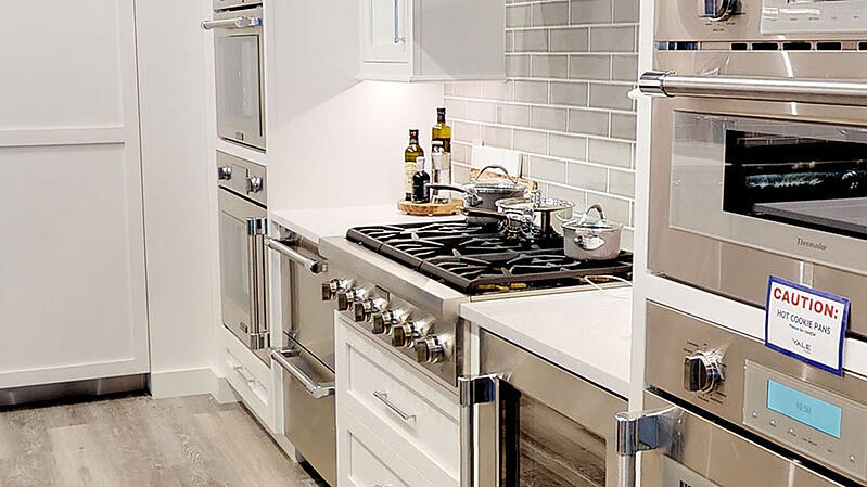 thermador-gas-rangetop-at-yale-appliance-in-hanover