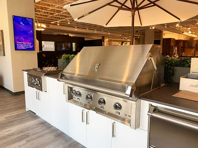 urban-bonfire-grill-set-up-and-kitchen-accessories-in-hanover