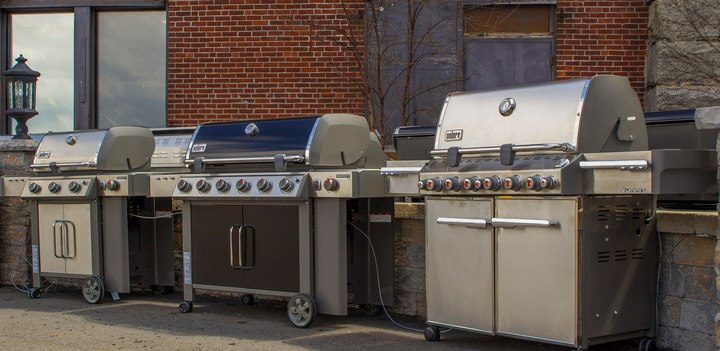 Traeger Grills vs  Weber Grills (Reviews / Ratings / Prices)