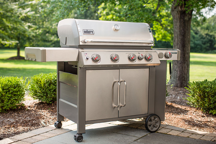 Weber Genesis II vs. Weber Summit BBQ Grills for 2021 (Reviews / Ratings / Prices)